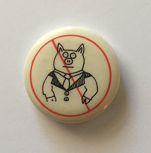 Don't Be a Litterpig Button (Pig in a Suit 1984). Keith Haring.