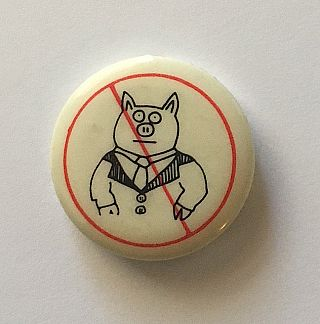 Don't Be a Litterpig Button (Pig in a Suit 1984). Keith Haring